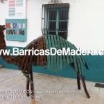 Camello hecho con duelas - LaHabanaDecoración (4)